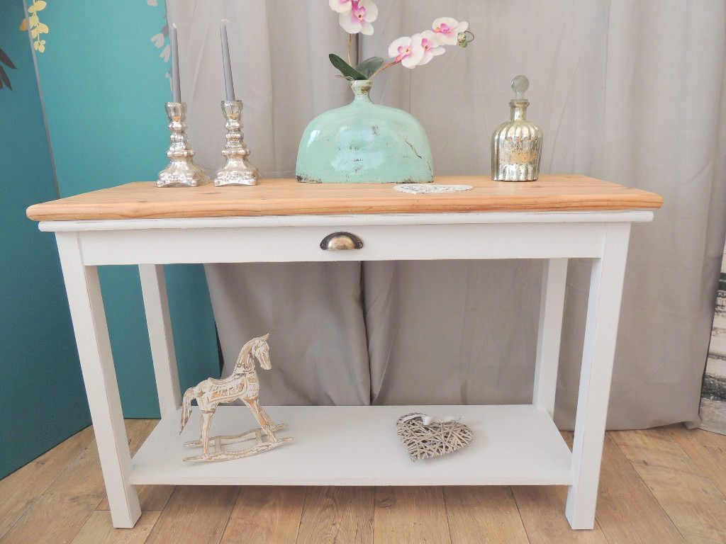 Lovely Shabby Chic Console Table In Farmhouse Style