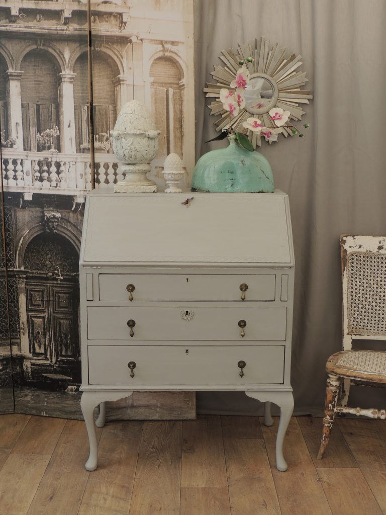 lovely shabby chic french style oak bureau eclectivo london furniture with soul. Black Bedroom Furniture Sets. Home Design Ideas