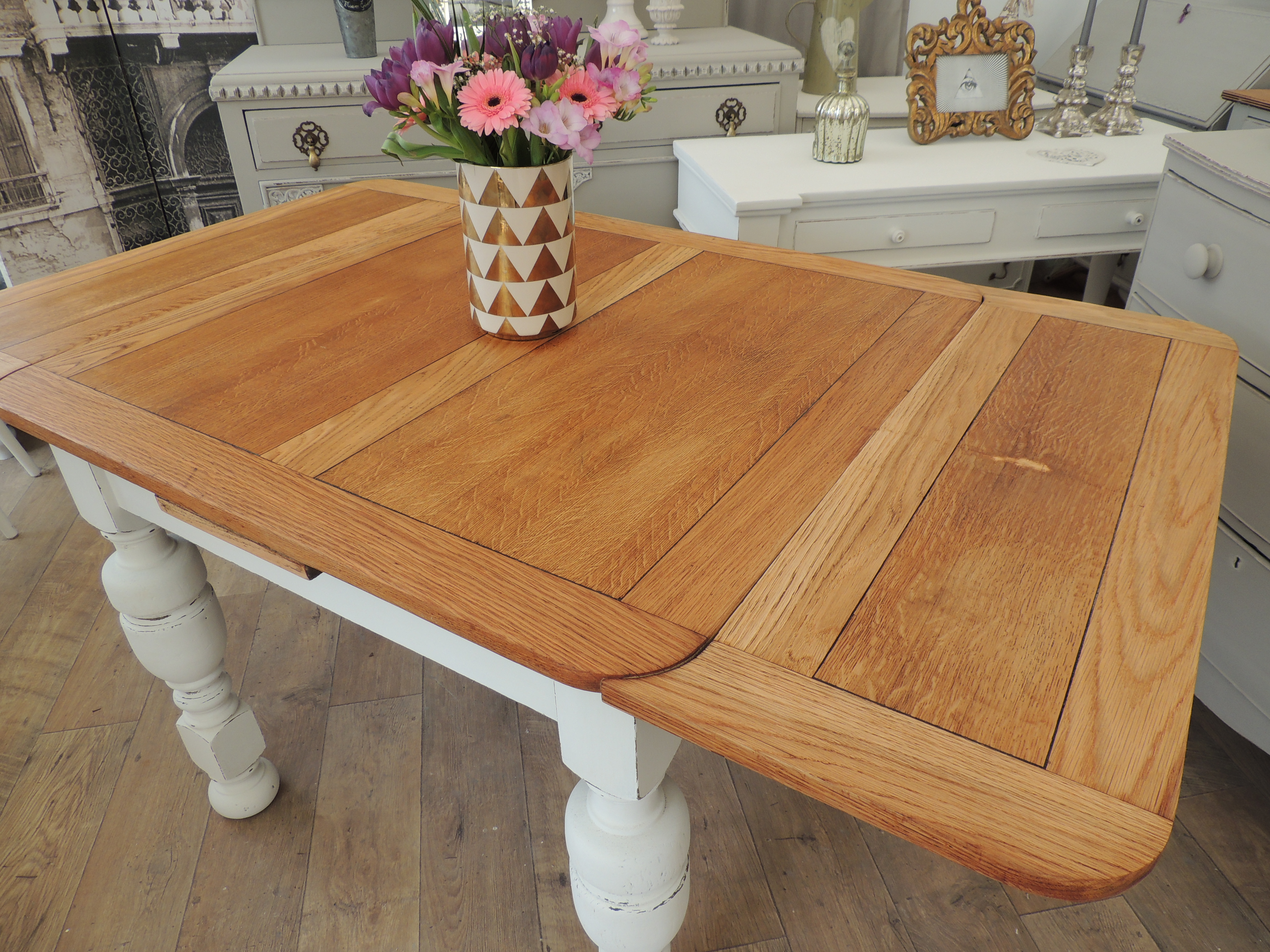 Shabby Chic Oak Extendable Dining Table