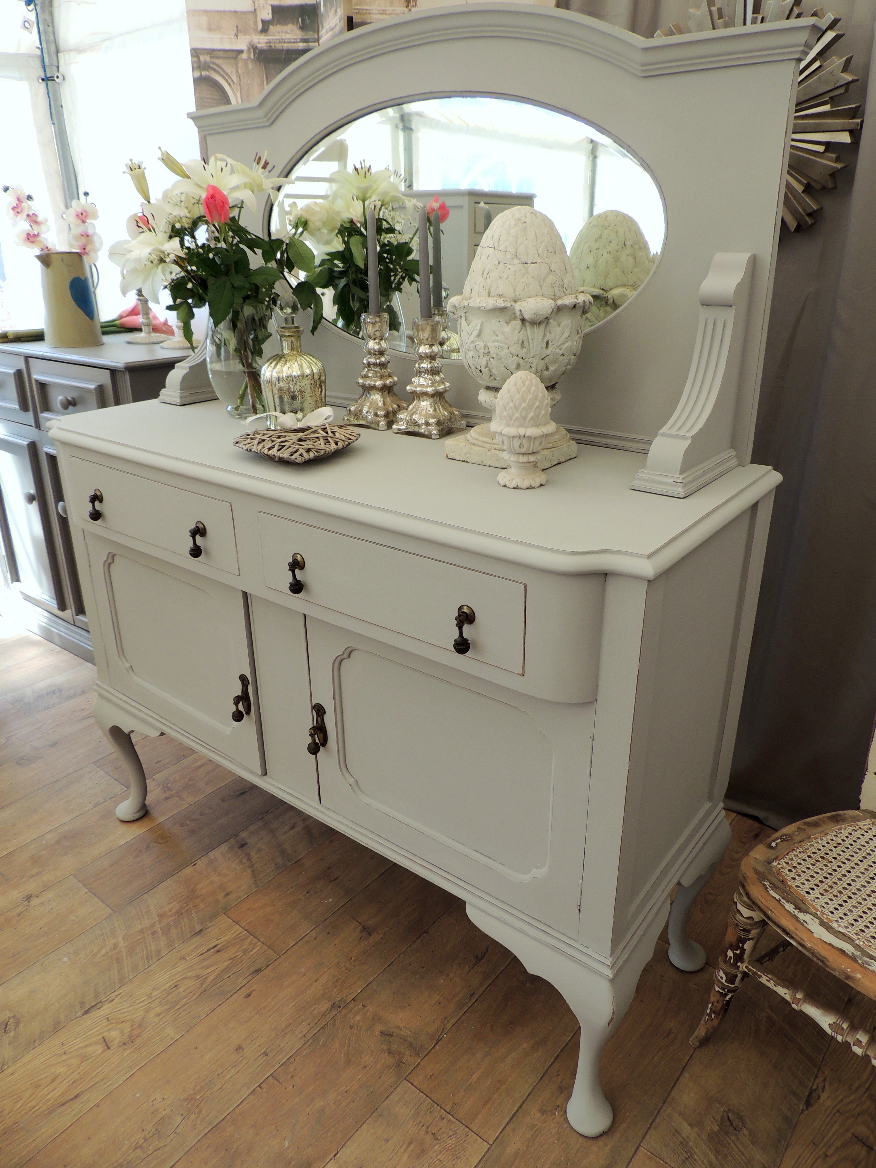 shabby chic edwardian sideboard with mirror eclectivo. Black Bedroom Furniture Sets. Home Design Ideas