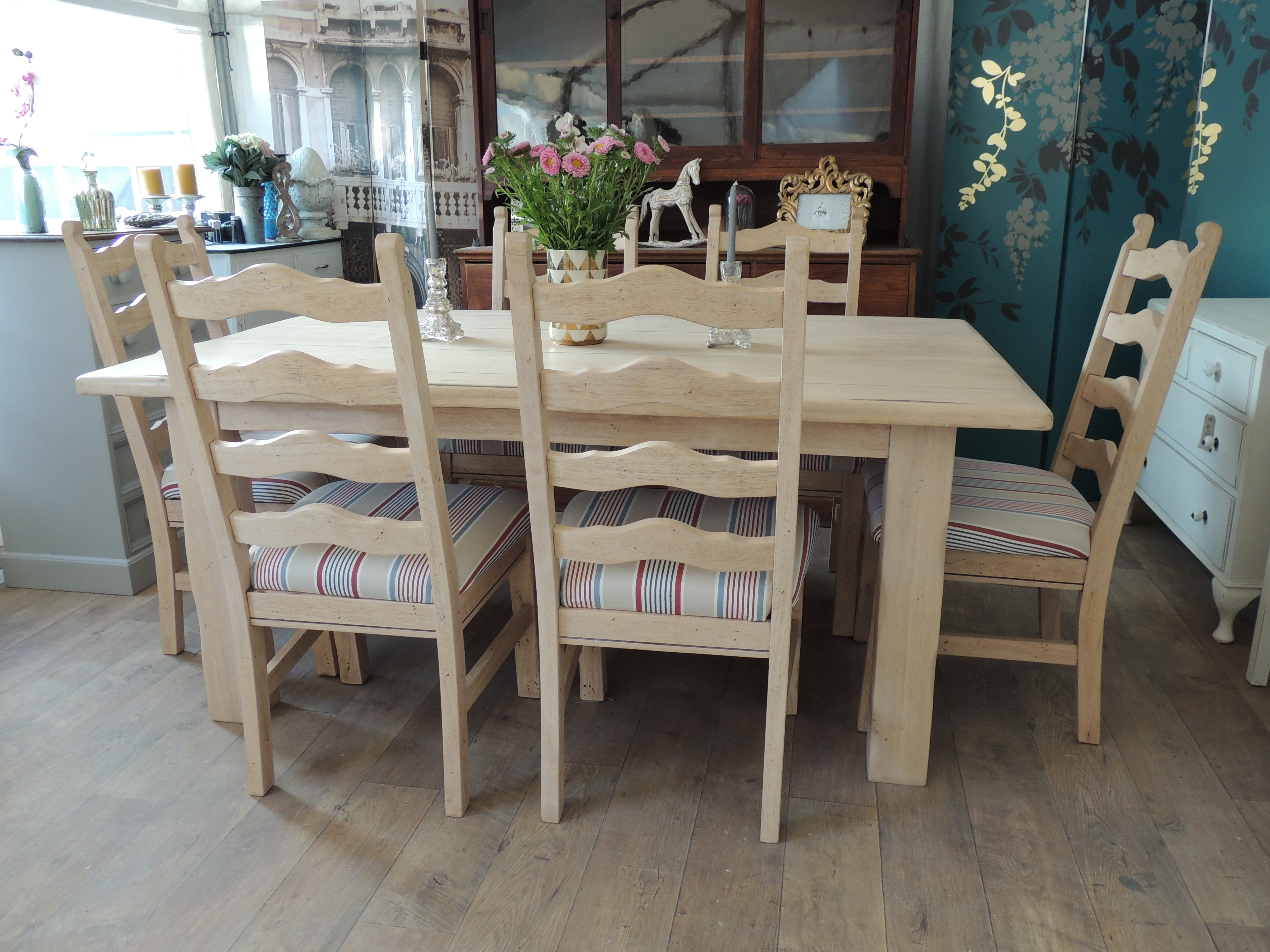 lovely rustic farmhouse style dining table with six chairs eclectivo london furniture with soul. Black Bedroom Furniture Sets. Home Design Ideas