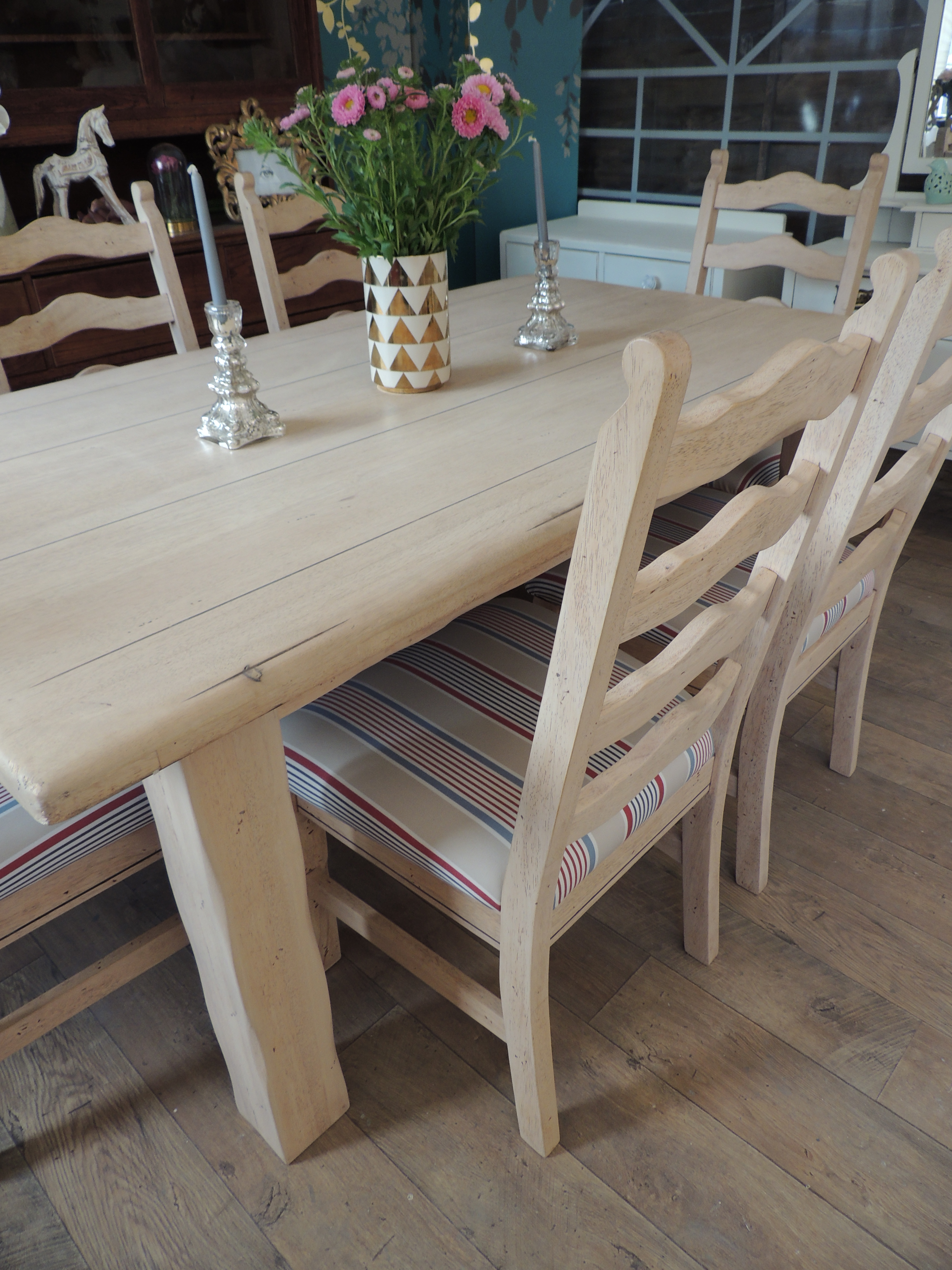239Lovely rustic farmhouse style dining table with six chairs